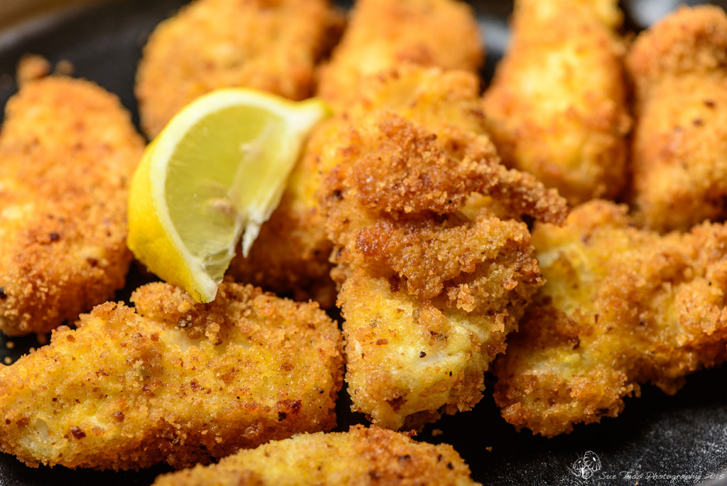 Fish Goujons with lemon © Sue Todd Photography 2015
