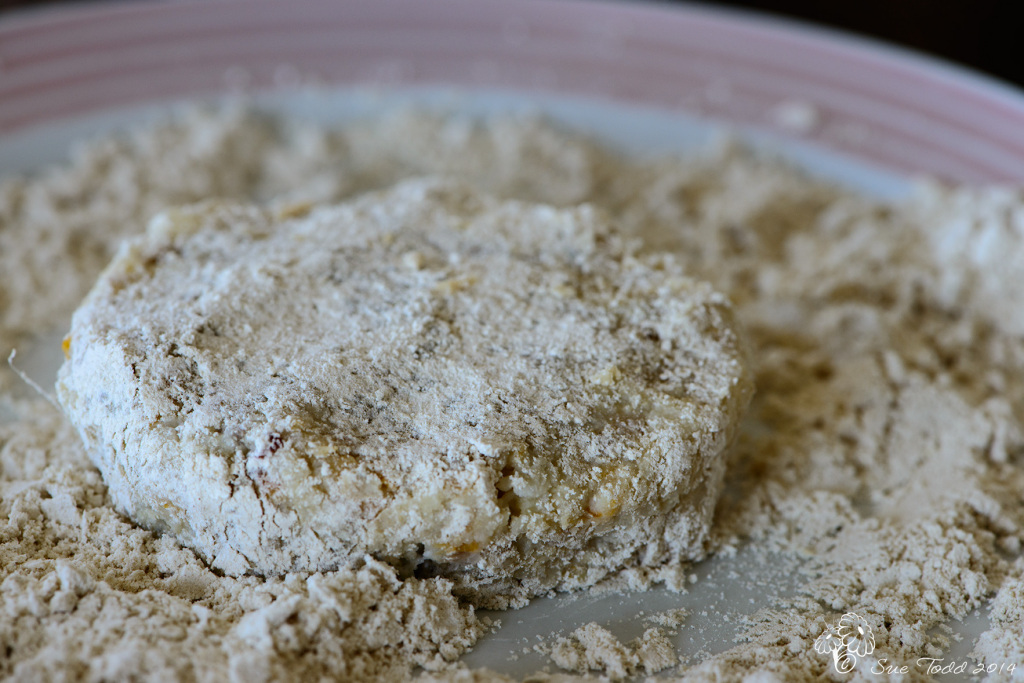 Coat the Kipper Fishcakes with sesame flour © Sue Todd 2014